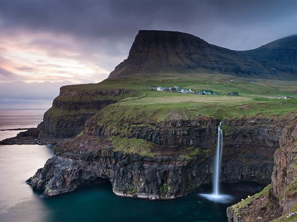 waterfall-faroe-islands_85286_600x450